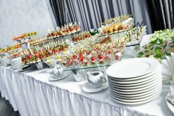 Did you know, Scotch and Sirloin offers customized catering?